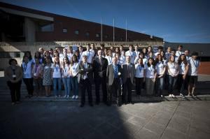 Robert H. Grubbs junto a los  organizadores de la Universidad de Cantabria. Fuente: El diario montanes.