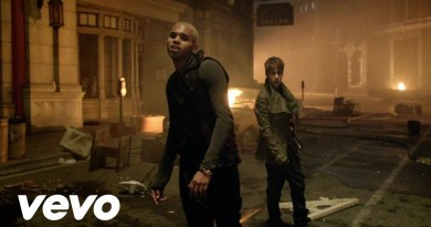 Chris Brown – Next To You feat. Justin Bieber