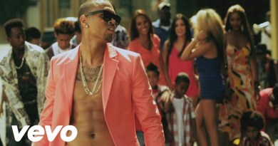 Chris Brown – Yeah 3x