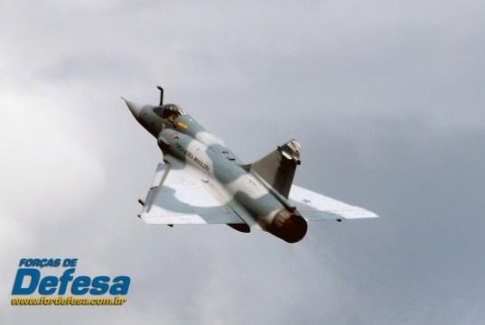 dia da aviacao de caca 2013 - Mirage 2000 decolando- foto 3 poggio