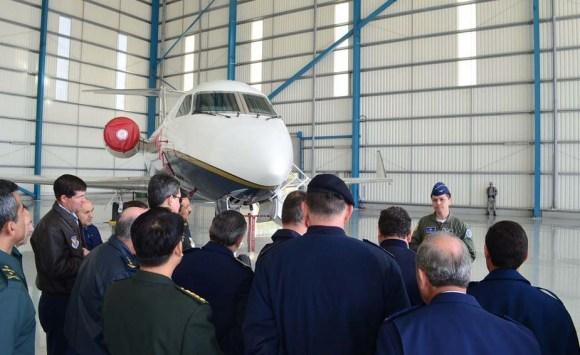 Adidos militares no Chile conhecem aeronaves da II Brigada Aérea - foto 3 FACh