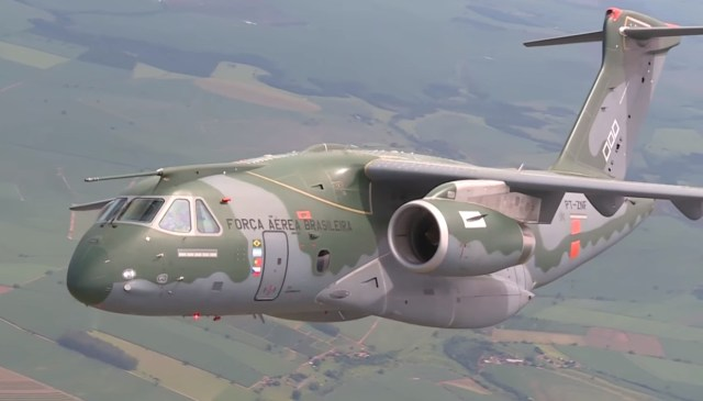KC-390 - cena 8 video Conexao FAB mar2016