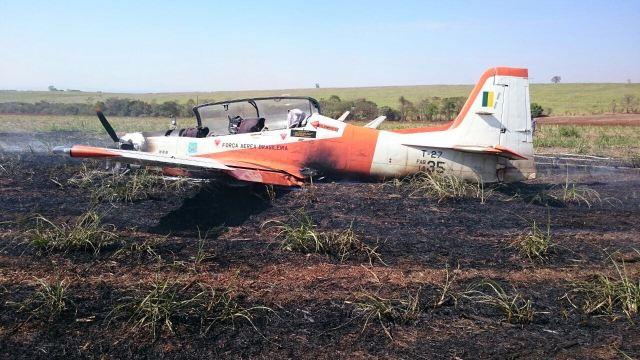 T-27 FAB acidentado em Pirassununga-SP - 1