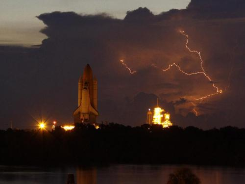 Space Shuttle Lightning picture
