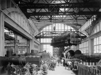 Déplacement de locomotive aux ateliers du Breuil en 1952
