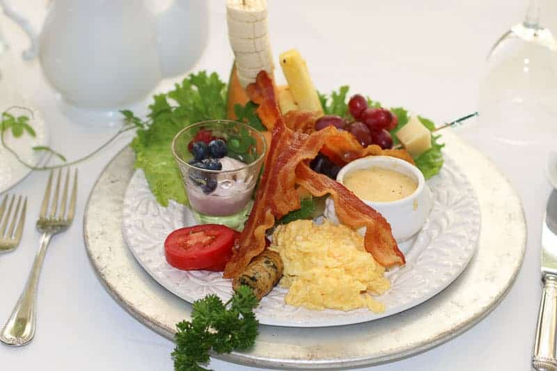 Breakfast at The Bentley, Kinston's Bed and Breakfast Inn