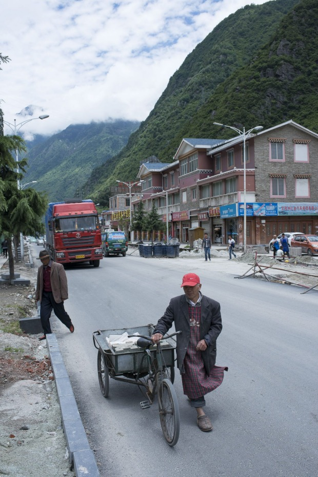 Downtown Kangding is not exactly a  heaving metropolis.