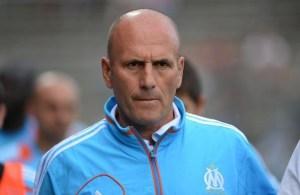 372985_l-entraineur-de-l-olympique-de-marseille-elie-baup-le-20-juin-2012-a-nimes