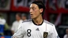 Mesut_Özil_Germany_national_football_team_03