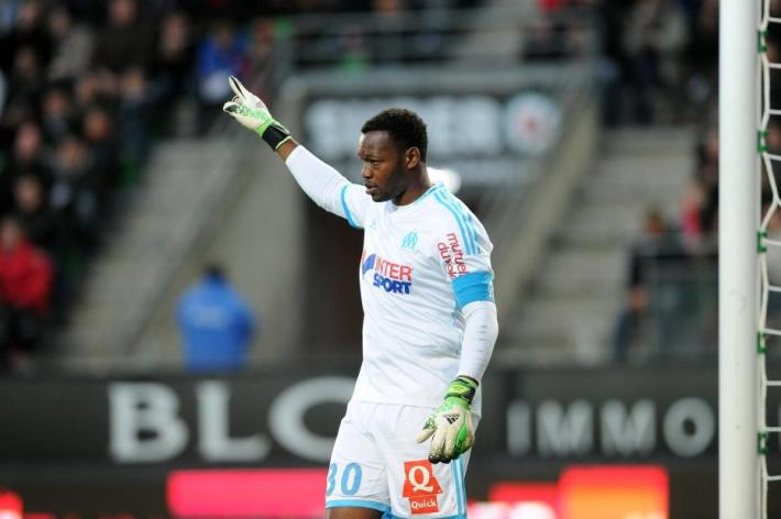 Olympique-de-Marseille-goalkeeper-Steve-Mandanda-has-revealed-he-will-not-leave-the-Stade-Vélodrome-when-the-transfer-window-re-opens-in-January.