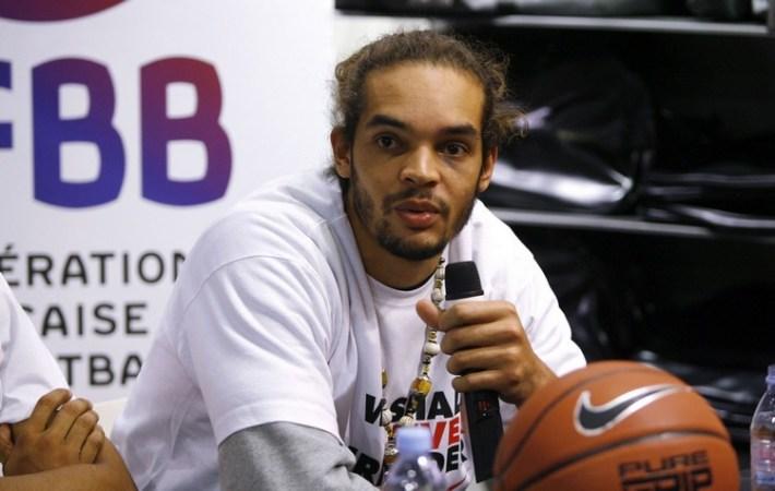 Equipe de France de Basket au Nikestore des Champs Elysees - 19.09.2011 -