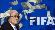 joseph blatter arrosé par un liasse de faux billets