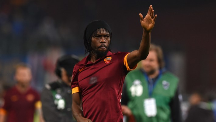 GENOA, ITALY - OCTOBER 25:  Gervinho of AS Roma salutes the fans at the end of the Serie A match between UC Sampdoria and AS Roma at Stadio Luigi Ferraris on October 25, 2014 in Genoa, Italy.  (Photo by Valerio Pennicino/Getty Images)