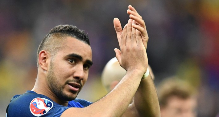 France's forward Dimitri Payet applauds after the Euro 2016 group A football match between France and Romania at Stade de France, in Saint-Denis, north of Paris, on June 10, 2016. / AFP PHOTO / FRANCK FIFE