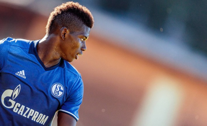 07.08.2016, Alois Latini Stadion, Zell am See, AUT, Testspiel, Schalke 04 vs ACF Fiorentina, im Bild Breel Embolo (FC Schalke 04) // Breel Embolo (FC Schalke 04) during the International Friendly L‰nderspiel Football Match between Schalke 04 and ACF Fiorentina at the Alois Latini Stadium in Zell am See, Austria on 2016/08/07. Zell am See PUBLICATIONxNOTxINxAUT EP_fei  07 08 2016 Alois Latini Stadium Zell at Lake AUT try out Schalke 04 vs ACF Fiorentina in Picture Breel Embolo FC Schalke 04 Breel Embolo FC Schalke 04 during The International Friendly international match Football Match between Schalke 04 and ACF Fiorentina AT The Alois Latini Stage in Zell at Lake Austria ON 2016 08 07 Zell at Lake PUBLICATIONxNOTxINxAUT EP_FEI
