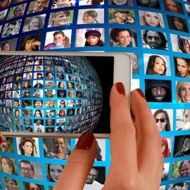 people-smartphone-pixabay