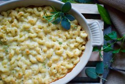 Manly Looking An Upgrade To Your Basic Mac I Like To Think That Comfort It Is Basedon Baked Cavatappi Three Cheeses A Hint Thisas Version Rosemary