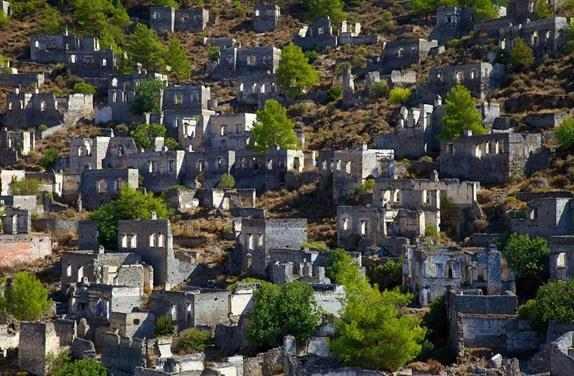 بالصور: مدينة اشباح في تركيا للبيع