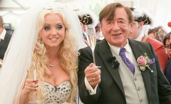 بالصور ..ملياردير نمساوي يتزوج بفتاة تصغره بـ75 عام