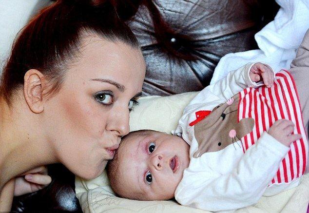 امرأة تلد دون علمها بأنها حامل !!