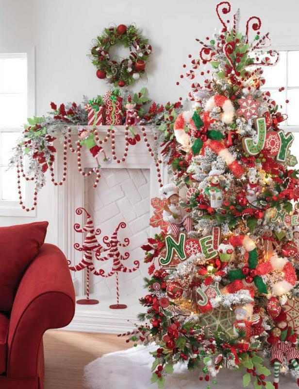 تزيين شجرة الكريسماس