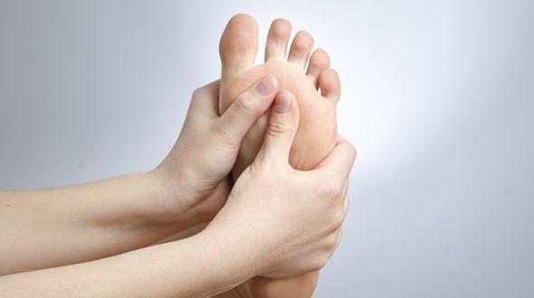 العناية بأقدام مريض السكري