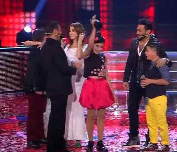 لين الحايك الفائزة بلقب ذا فويس كيدز في موسمه الأول من فريق كاظم