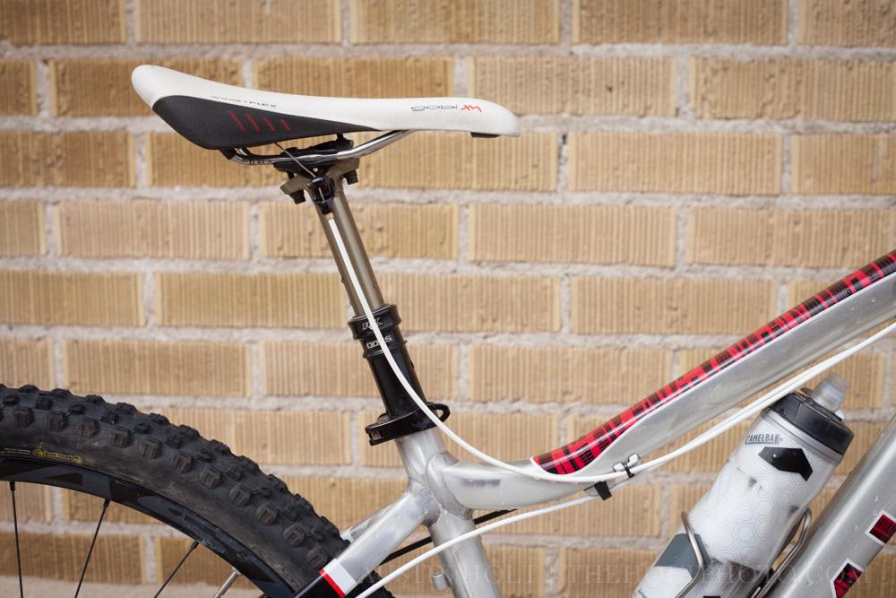 Fizik Gobi XM saddle and Fox DOSS dropper post on my Mason with white cable housing