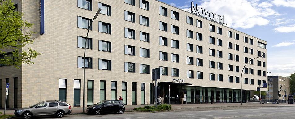 Hotel HAMBURG - Novotel Hamburg City Alster - aussen alster hotel