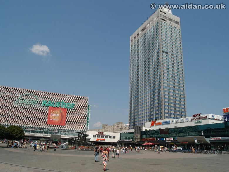 Alexanderplatz Berlin 2004