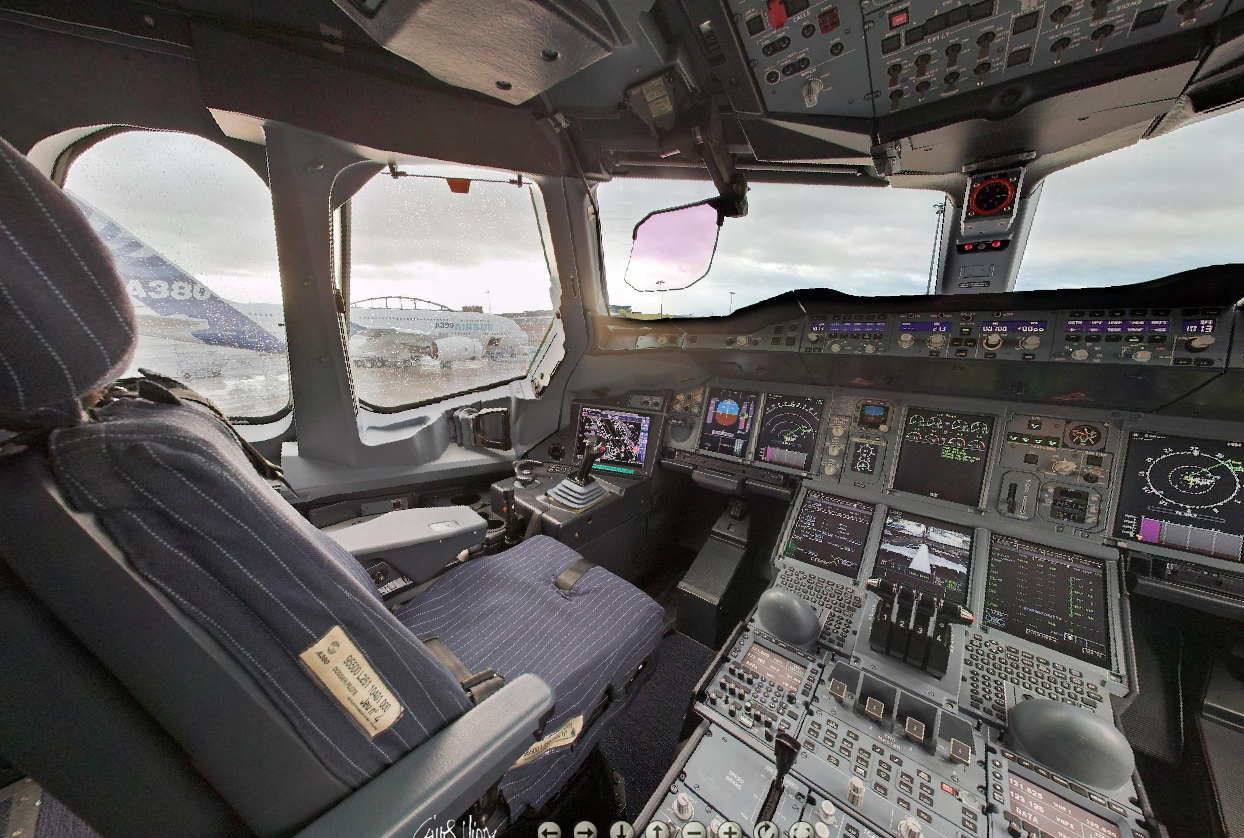 3d Wallpaper In Qatar Get A 360 View Of An Airbus A380 Flight Deck