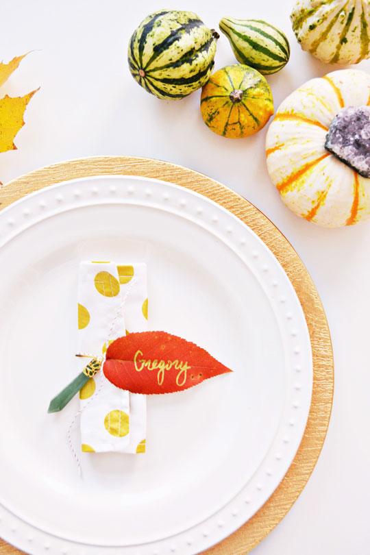 Simple Leaf Napkin Rings for Thanksgiving @ajoyfulriot