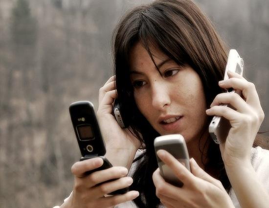 Kecanduan ponsel