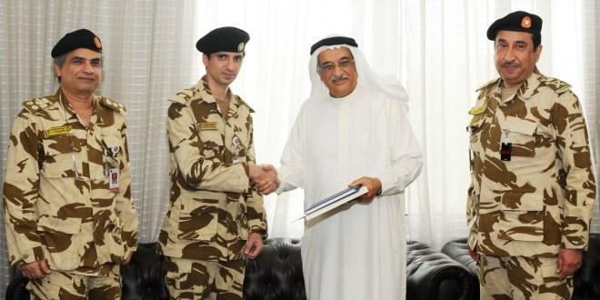 الرائد طبيب أحمد محمد الانصاري أول طبيب بحريني يحصل على شهادة الدكتوراه في التعليم الطبي