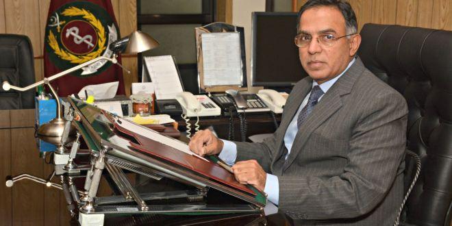 اللواء الطبيب جواد خليق الانصاري مدير كلية الطب العسكرية الباكستانية