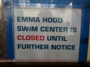 The sign outside of the AHS pool sends disappointed swimmers away Photo by Simone Willcox