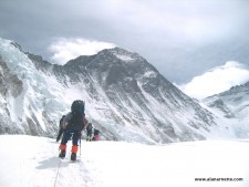 Everest 2013: Season Recap: Summits, Records and Fights