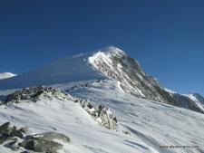 Vinson Summit Push Starts