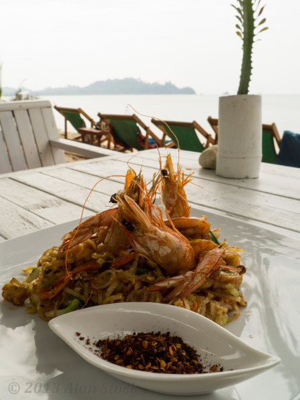 As the skies clouded over, I had a tasty prawn pad thai. Yum.