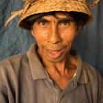 AlanStockPhotography-Bali-market-portrait-man-traditional-hat-asian-Photography-Workshop