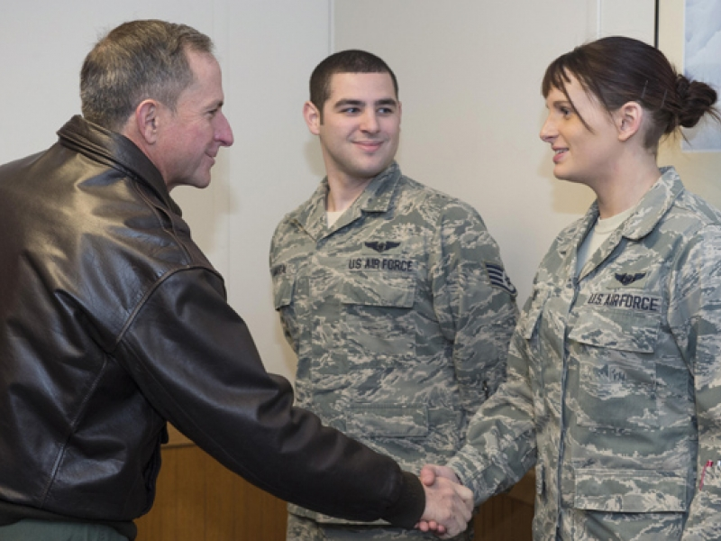 Saying thanks to JBER airmen for your service | The Alaska Star