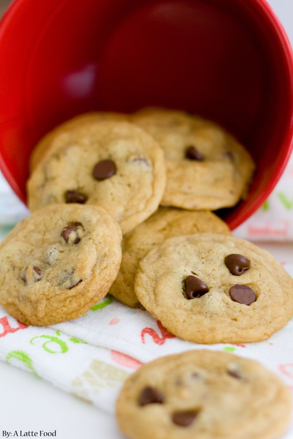 Mini Chocolate Chip Cookies | A Latte Food