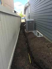 Underground-gas-line-in-trench