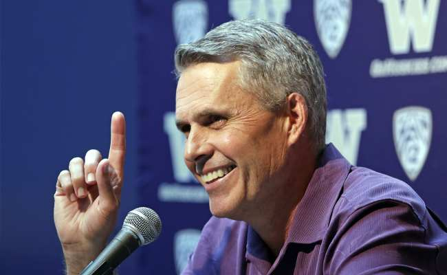 Roaring Jets Trigger Queasy Memories For Chris Petersen