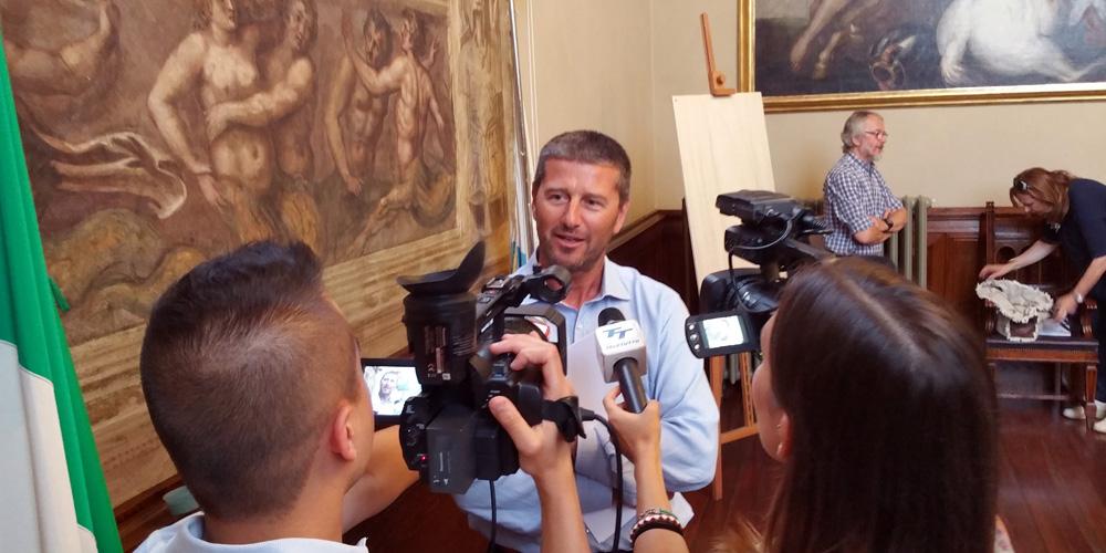 Mazzocchi-conferenza-stampa-loggia-luglio-14-04