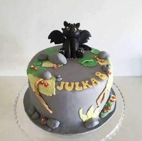 tort smok szczerbatek