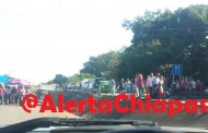Prevalece bloqueo carretero en el tramo Tonala - Arriaga #Chiapas