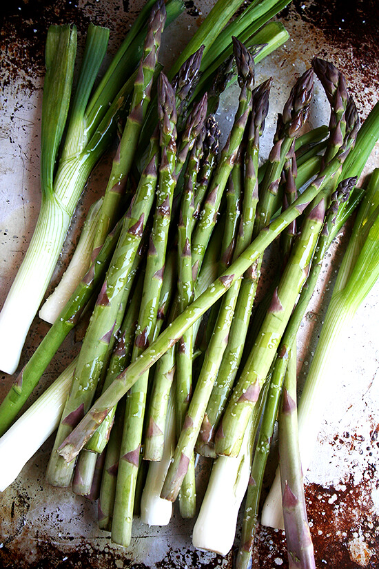 asparagus & spring onions, ready to be baked