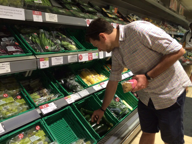 User 1 choosing vegetables from a broad selection