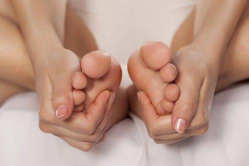 Remoja tus pies en vinagre por 15 minutos y no te vas a arrepentir